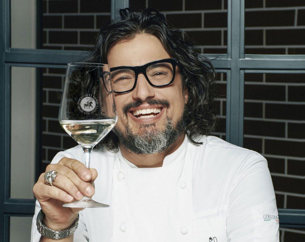 Alessandro Borghese, chef e conduttore televisivo, è il nuovo testimone dell'Asti
